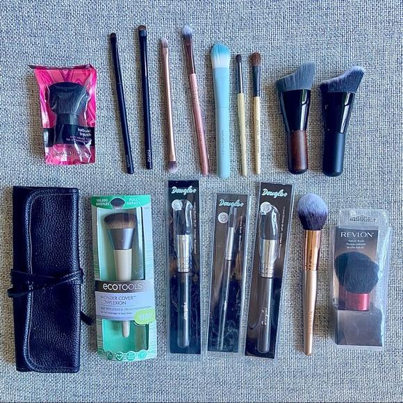 Makeup Brush Bundle (16 brushes + makeup case)